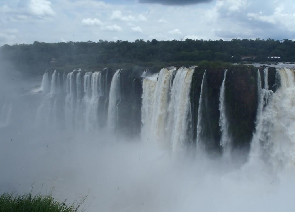 Mgła nad wodospadami Iguazu, fot. Elien Gysen
