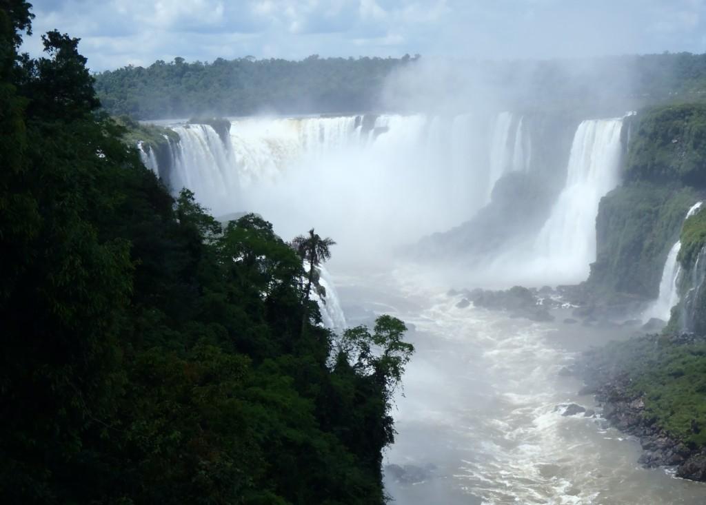 Garganta del Diablo, tu woda spada z wysokości 82 metrów, fot. Elien Gysen